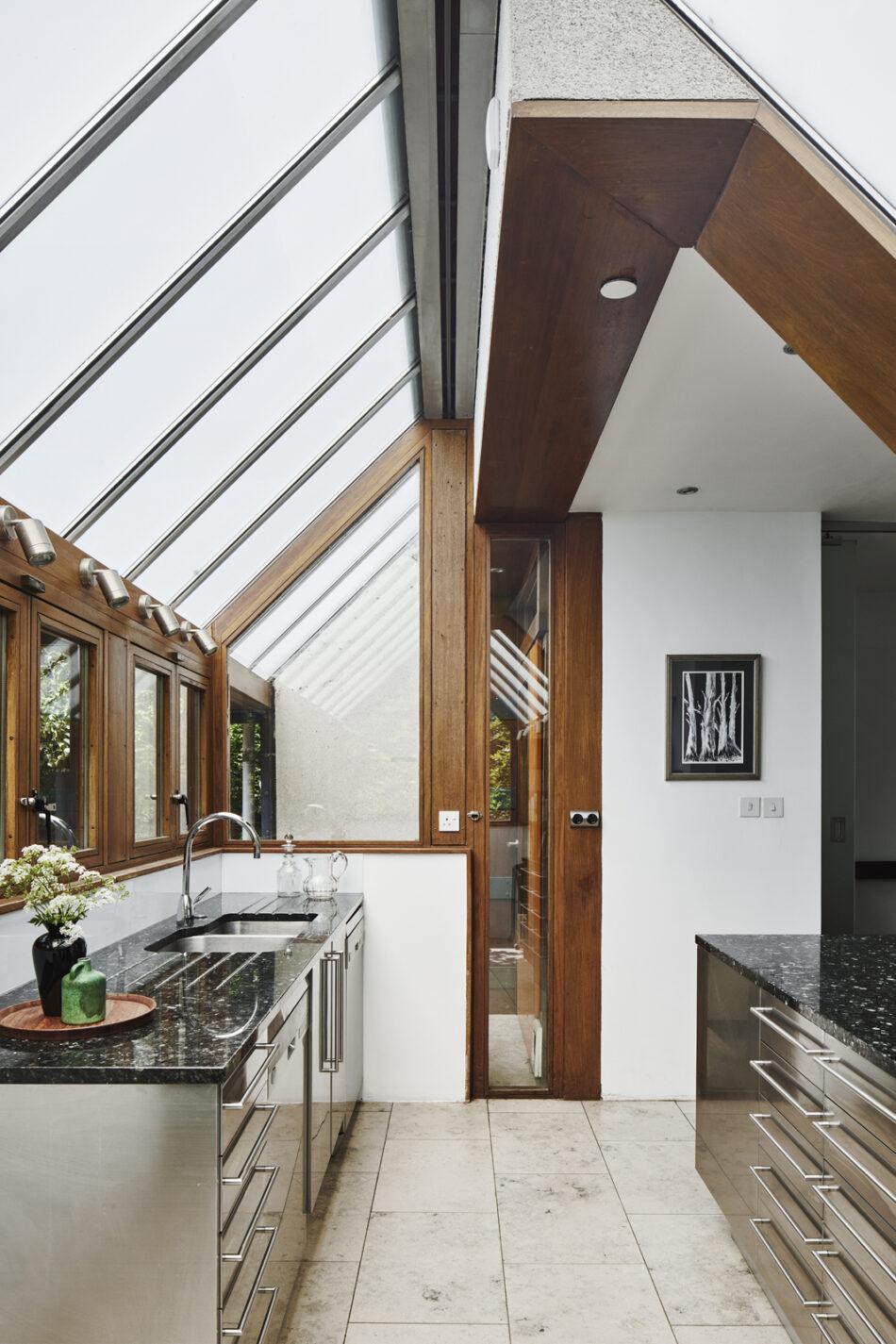 Apex-Lodge-Fitzroy-Park-London-N6-7-950x1425.jpg